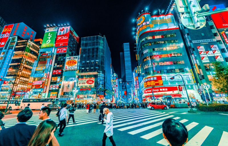 What are the differences between Japanese and Western consumers?